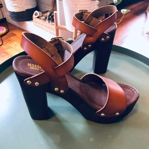 Sandals with Thick Heel